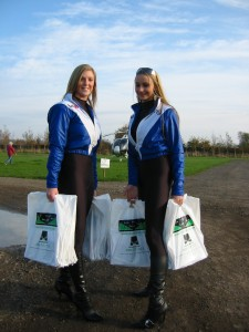 Jeni an Lizzy with Van Monster goodie bags